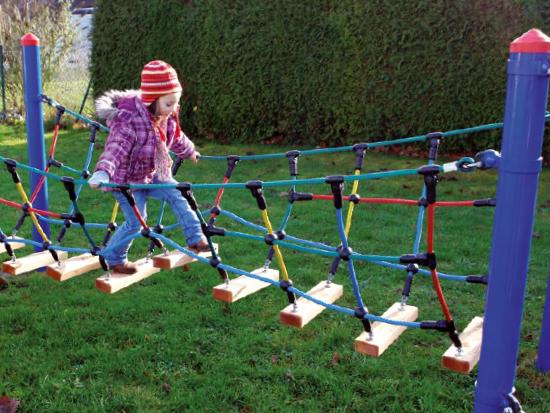 Веревочный мостик для детей своими руками 18